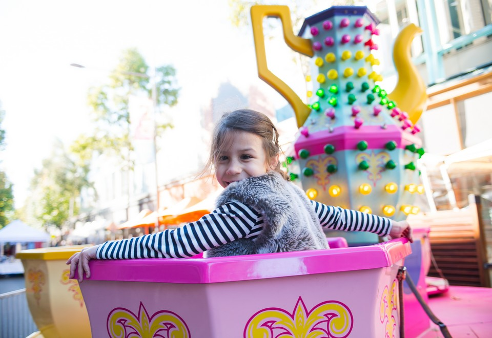 Cup & Saucer Amusement Ride - Amusement Rides Hire