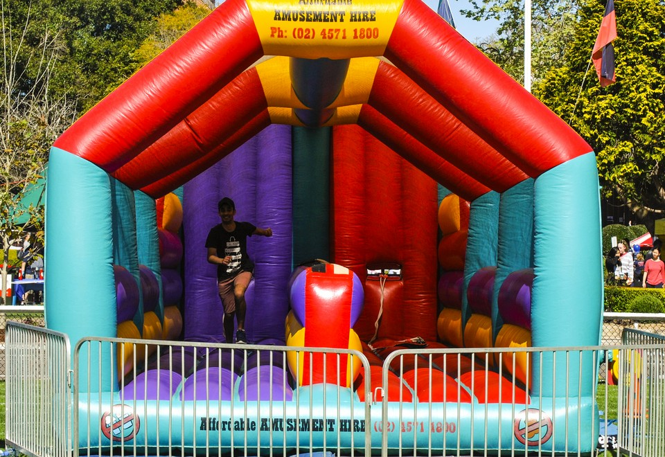 Horizontal Bungee Amusement Ride for Hire - Amusement Rides Sydney