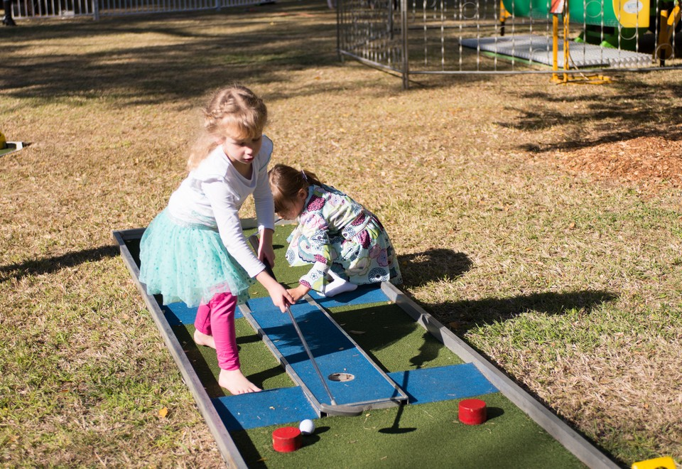 Mini Putt Putt Golf Amusement Ride for Hire Blue Mountains -Carnival Rides Sydney